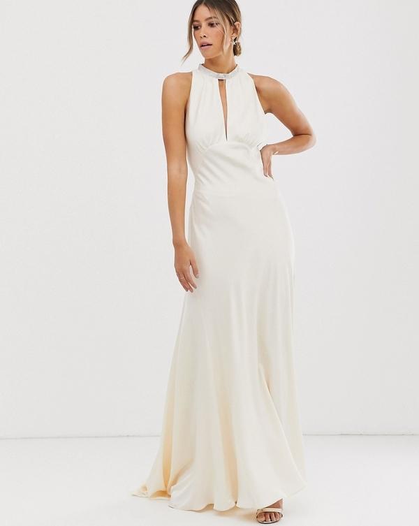 Piękne suknie ślubne znajdziesz w sklepach wysyłkowych