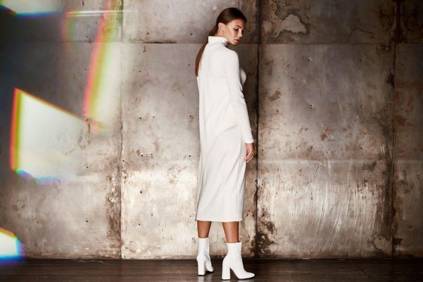 Na jesień i zimę idealne będą modne sukienki z golfem z kolekcji 2020/2021