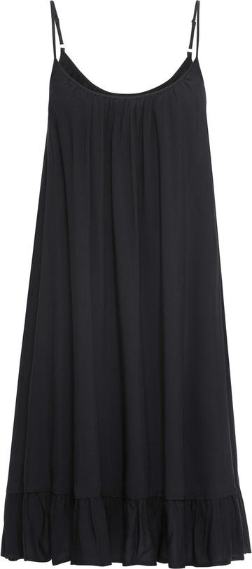 Czarna sukienka w bieliźnianym stylu to hit na jesień i zimę 2020/2021