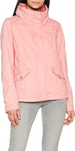 Lekką kurtkę zimową damską noś w towarzystwie ciepłego swetra lub kamizelki!