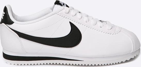 Białe sneakersy Cortez z wyprzedaży to klasyk w branży obuwniczej