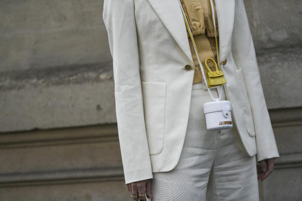 Mini torebka świetnie zastąpi modną biżuterię wiosną i latem