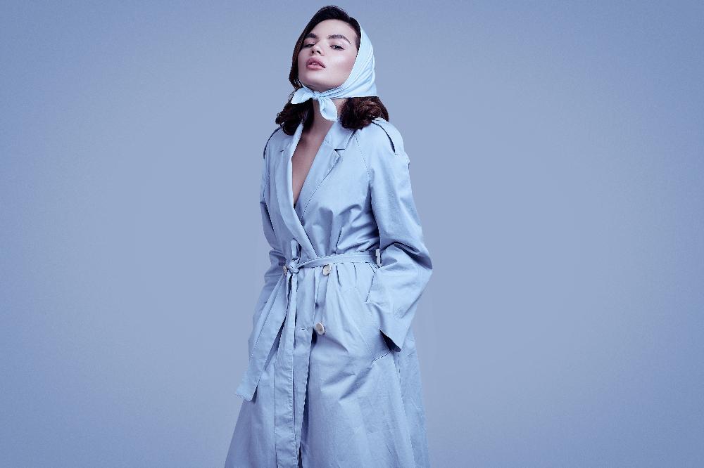 Wiązanie chusty na głowie to hit każdej fashionistki