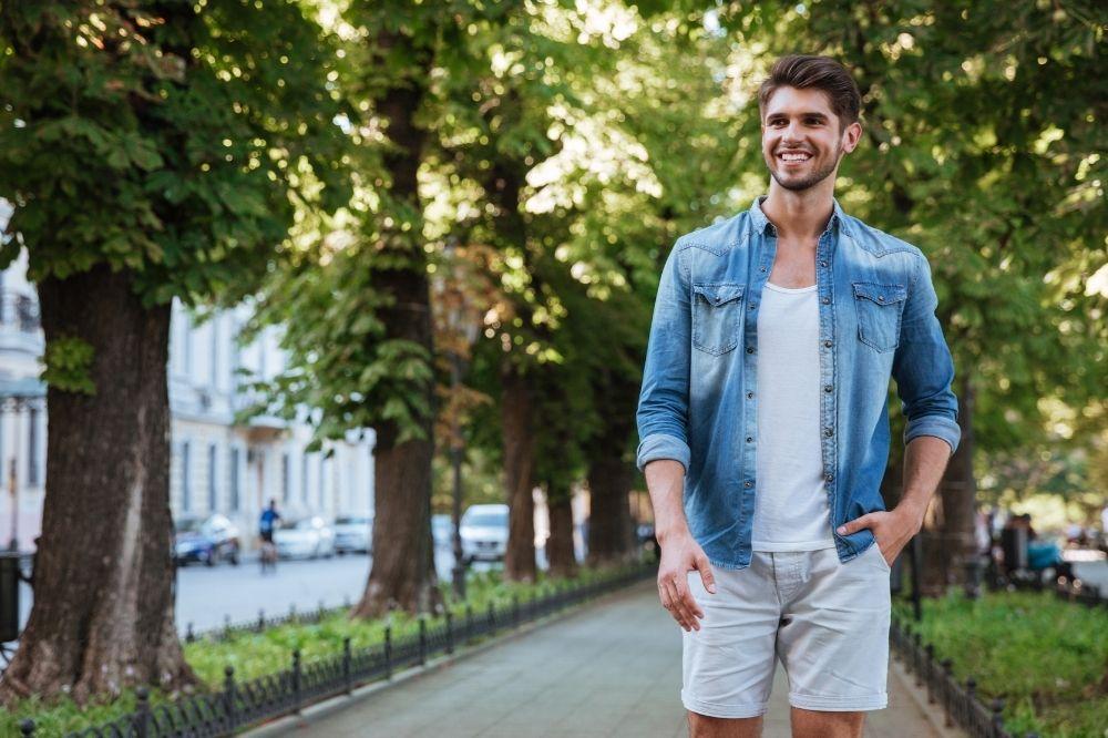 Jak nie nosić szortów męskich, aby nie popełnić modowej wpadki?