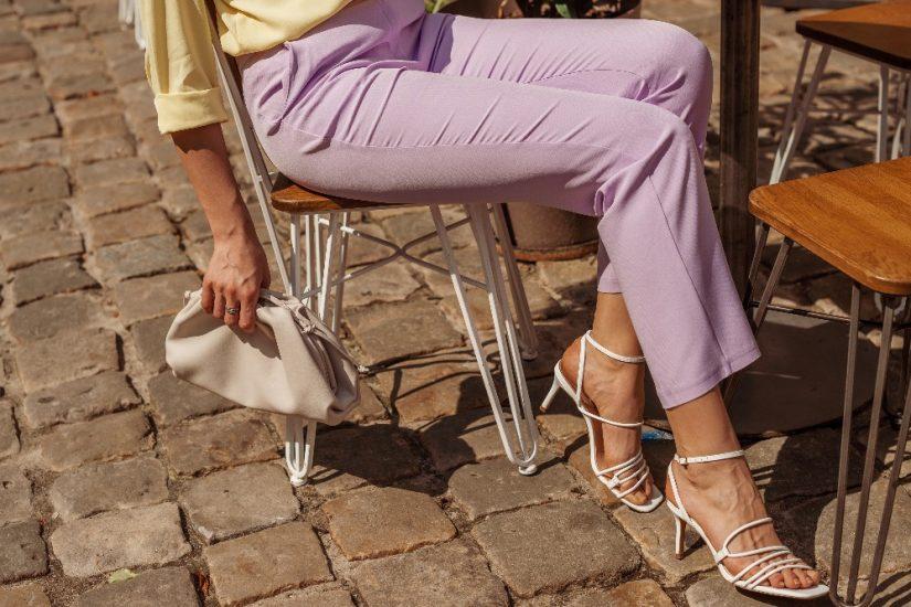 Odkryj modne i wygodne sandały damskie na lato 2021