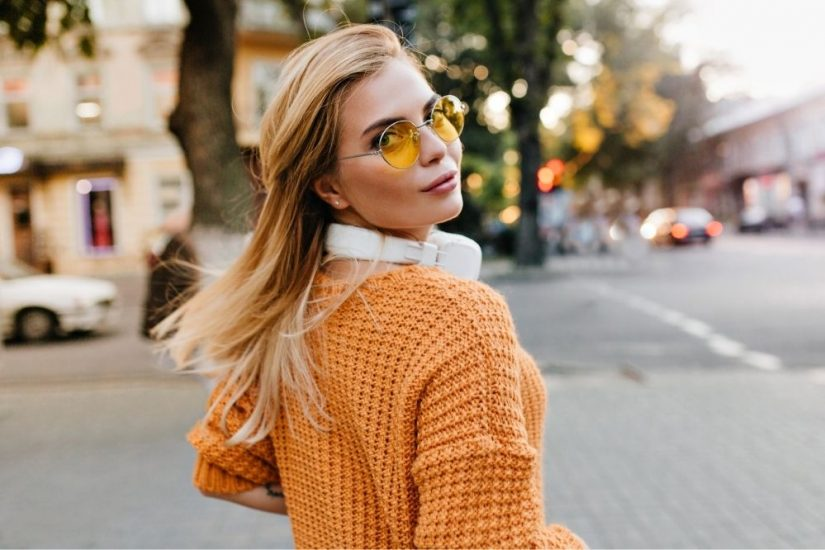 Kolorowy kardigan to hit na wiosnę i lato 2021