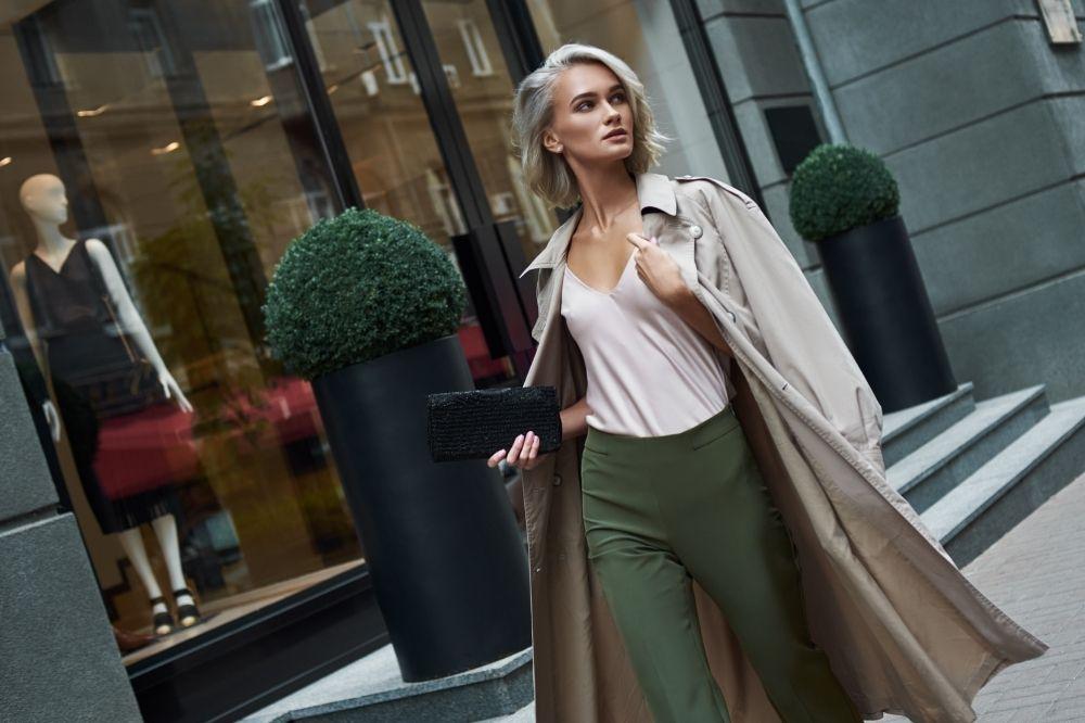 Cygaretki to idealna baza do modnej stylizacji na komunię ze spodniami