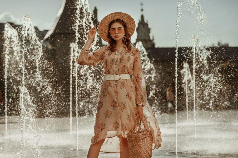 Sukienki to prawdziwe hity wyprzedaży wiosna-lato 2021