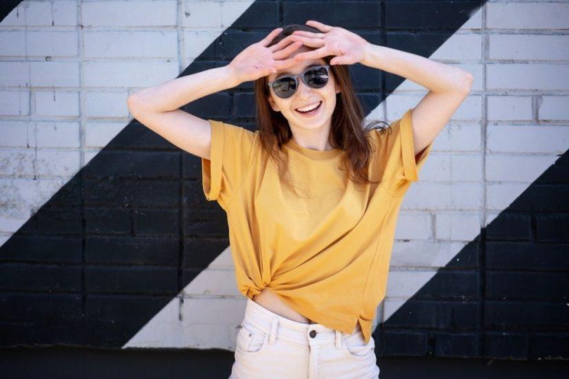 Zobacz modne i tanie koszulki damskie na lato
