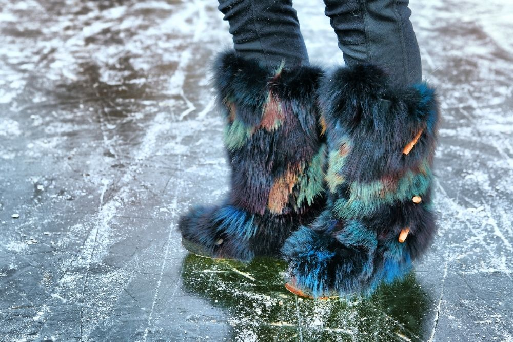 [Buty damskie – jesień-zima 2021/2022] Buty z futerkiem to to ciepło w modnym wydaniu