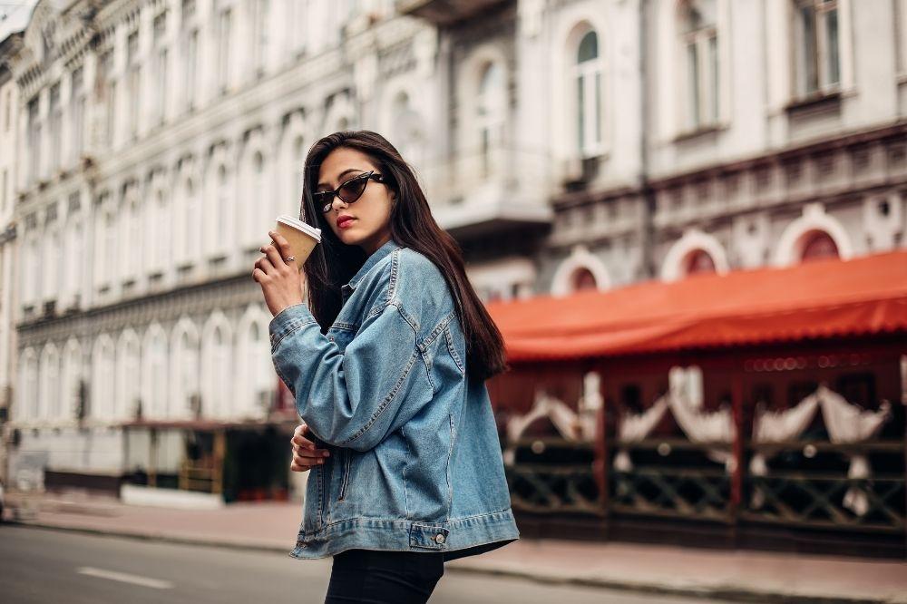 Jeansowe kurtki przejściowe damskie
